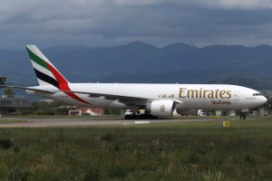 Emirates_Sky_Cargo_B772_A6_EFN_BSL_20150519_MG_0448_Spotterguide_1024